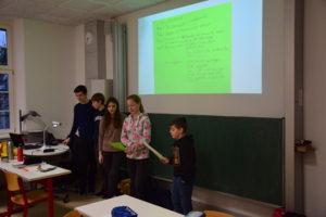 Schüler stellen ein Teil der SMV vor
